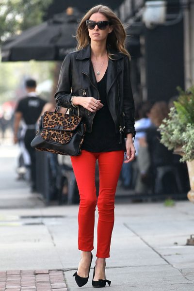 how to wear red jeans