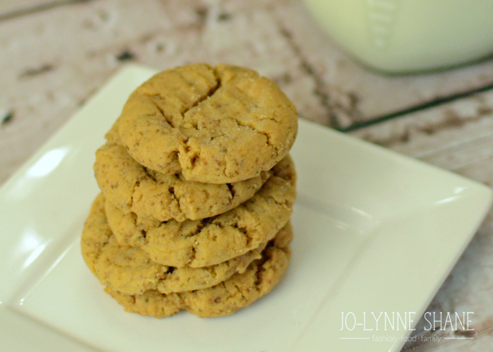 THE BEST Flourless Gluten-Free Peanut Butter Cookie Recipe . . . soft and delicious.