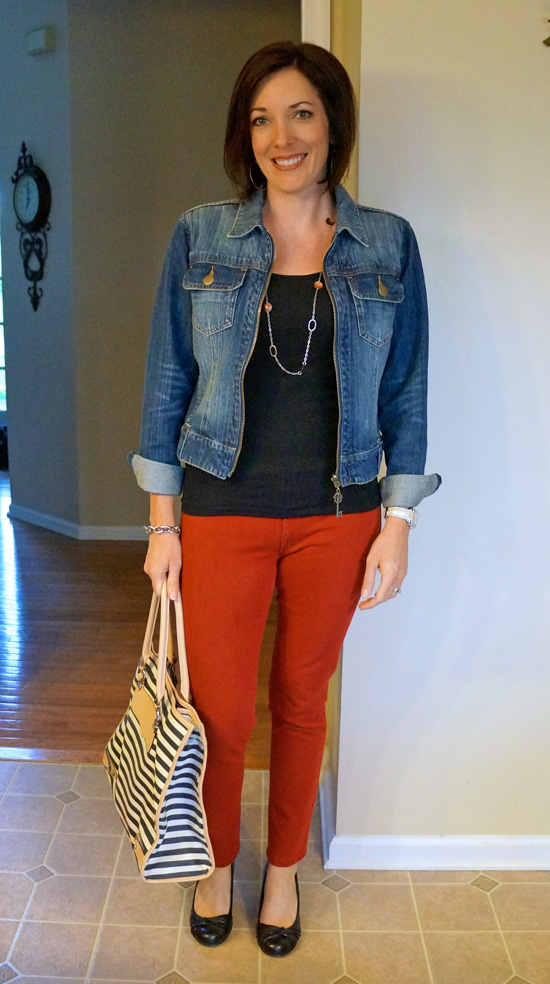 how to wear red skinny jeans