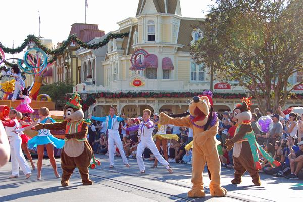Family Travel: Visiting Disney World at Christmastime