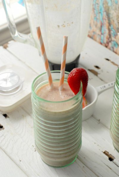 Healthy Smoothie Recipes: Banana Peach Almond Smoothie + 9 more!
