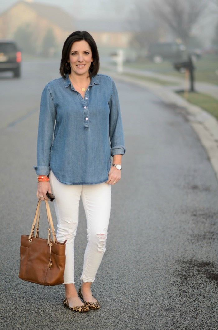 Loving this crisp, chic spring outfit! Chambray shirt, white distressed ankle skinnies, and leopard ballet flats!