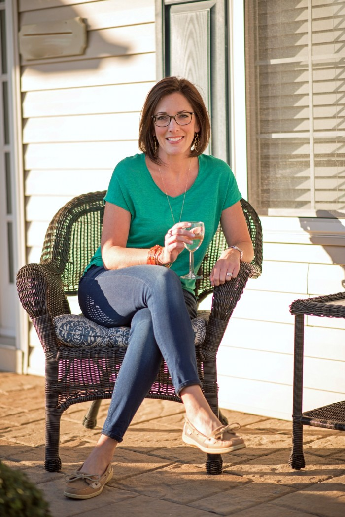 Fashion Over 40: Kelly Green with Dark Denim and boat shoes with pops of coral