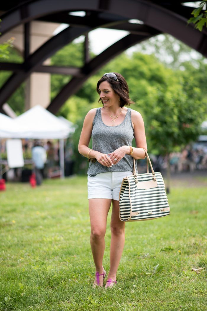 This is the perfect casual Saturday morning farmer's market outfit for summer. Grey linen tank with white jean shorts and a roomy tote for all your goodies!