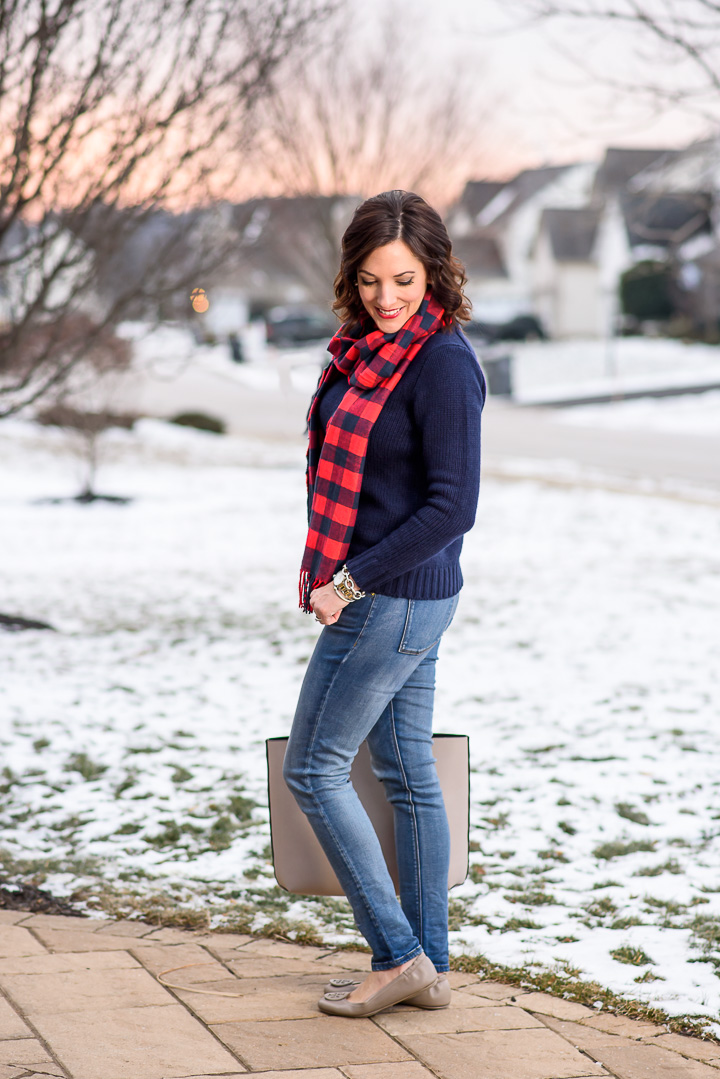 Casual Winter Outfit Formula for Moms: Skinny Jeans + Pullover + Scarf + Ballet Flats