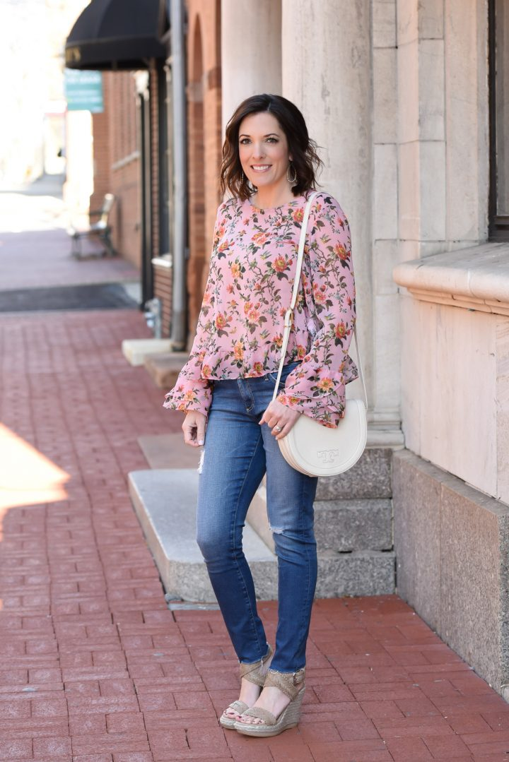 Floral Trumpet Sleeve Top Outfit for Spring
